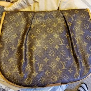 Authentic LV menilmontant MM